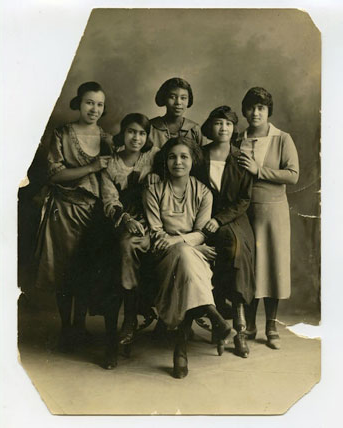 Old photo of a Black sorority including Annie Coker